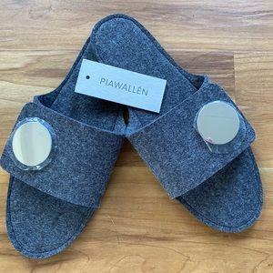 PIA WALLEN  NWT Wool Felt Slippers 8 / Med